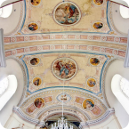 Loď kostola