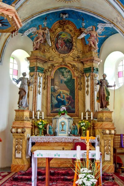 Kostol Narodenia Panny Márie vŠipiciach - hlavný oltár