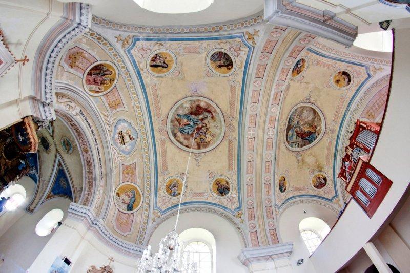 strop kostola